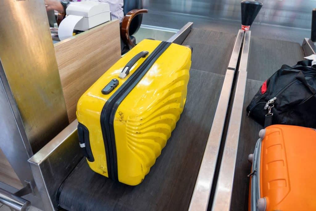 e162bd591 Ese momento crucial entre que tienes el peso correcto o necesitas re-hacer  la maleta. (Foto: Andriy Popov/ 123rf.com)