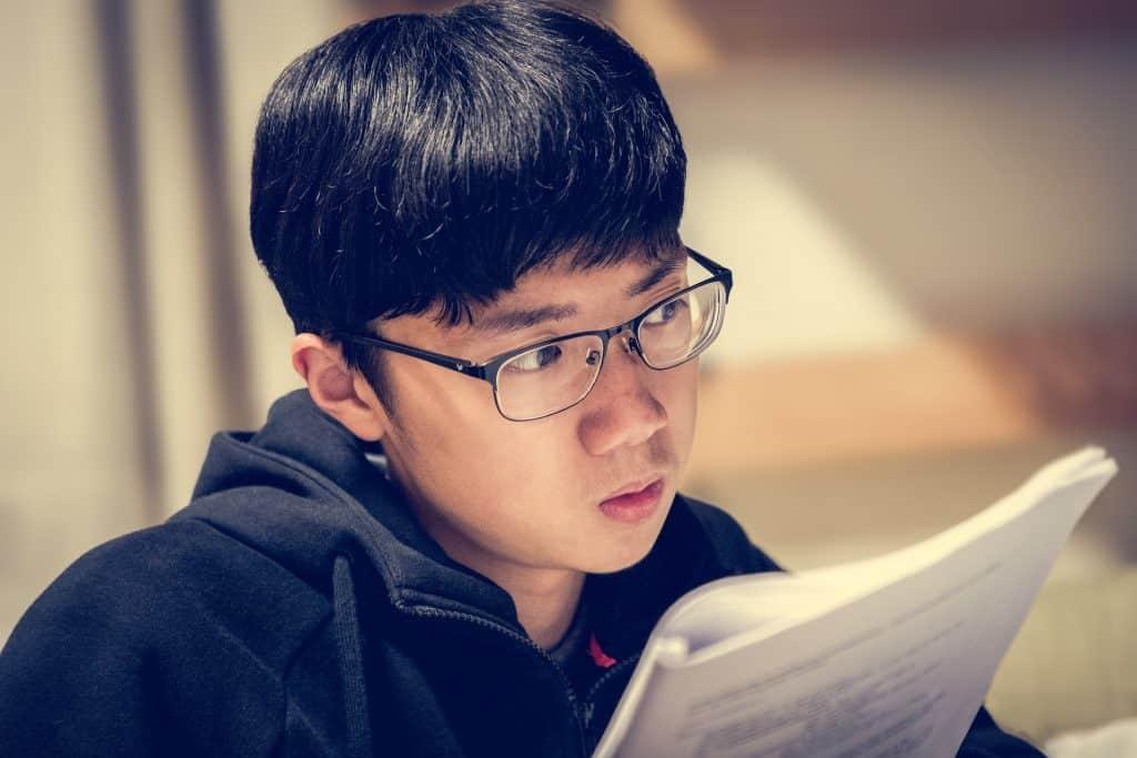 b18d773515 Los lentes adecuados pueden ser el mejor apoyo mientras estudias o  trabajas. Te harán la labor más fácil, ahorrándote dolores de cabeza.
