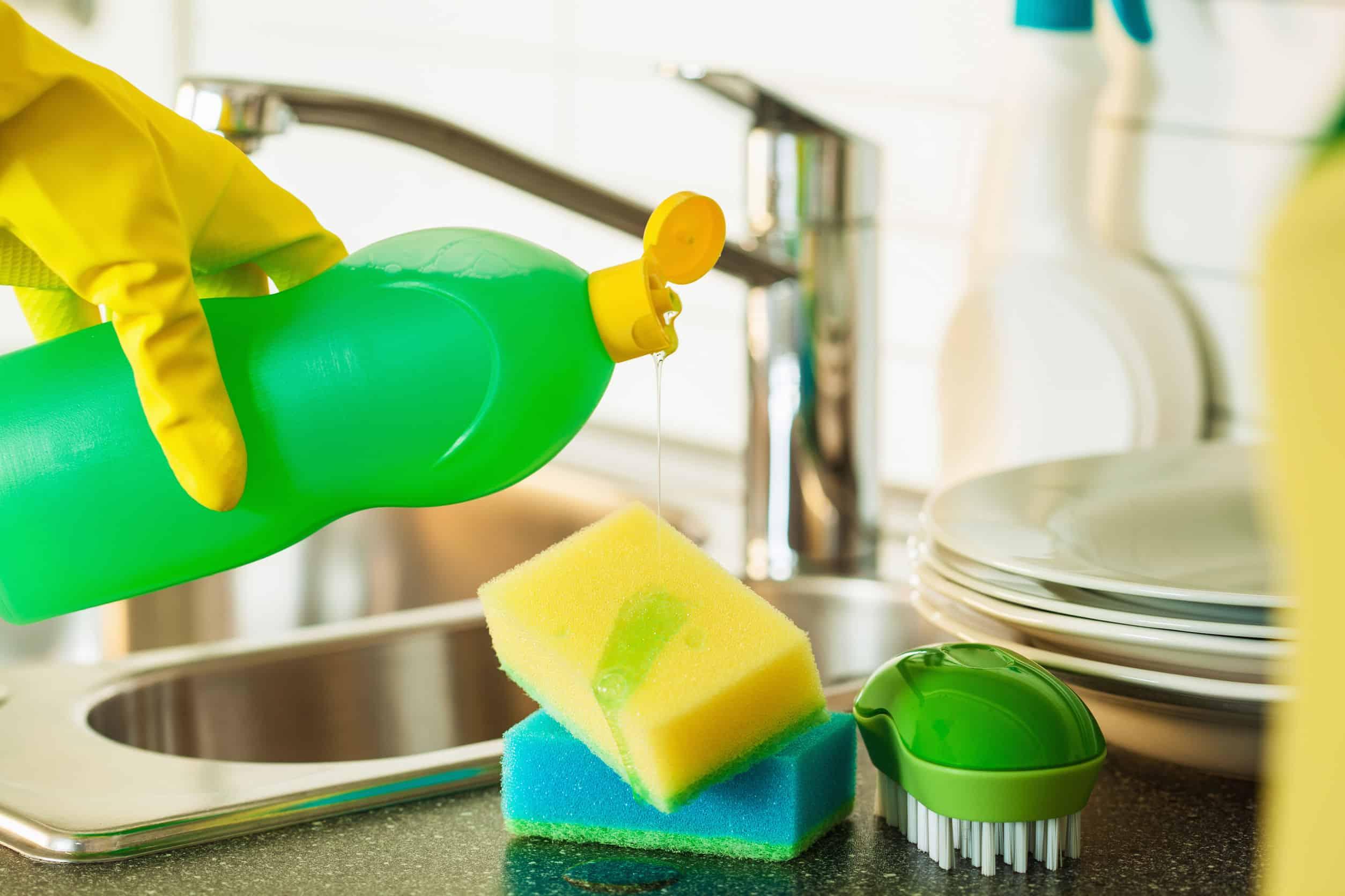 Usar Jabón líquido para platos