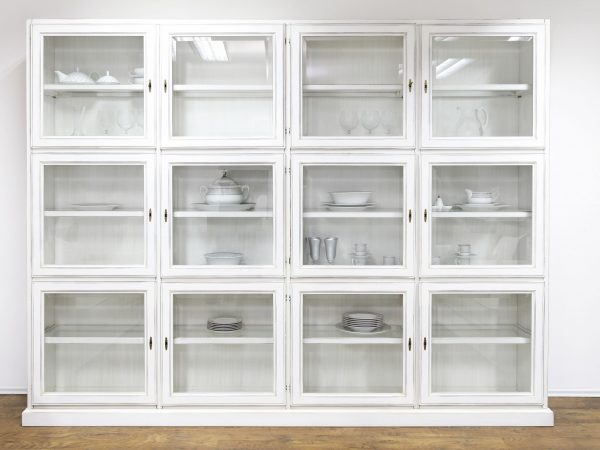 10262343 – white cupboard display cabinet with glass doors